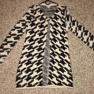 Long Bar III black and white houndstooth sweater
